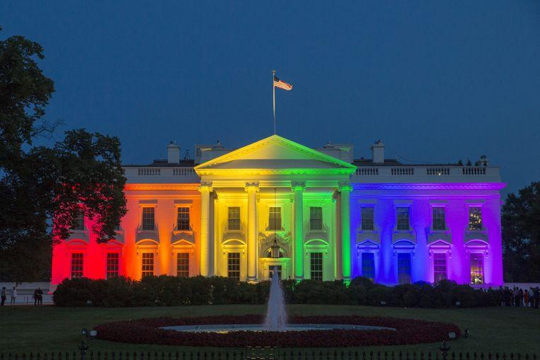 Na de legalisering van het homohuwelijk werd het Witte Huis uitgelicht in de kleuren van de regenboog Beeld anp