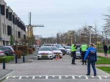 Politie schiet 57-jarige man die dreigde met hakmes in Etten-Leur neer, man overleden