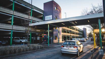 Stad wil samenwerken voor parkeerprobleem UZ