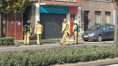 Brand in kantoortje zorgt voor felle rookontwikkeling