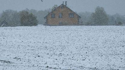 Sneeuwtapijt nabij Moskou