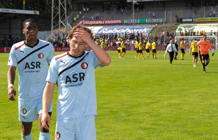 Leroy Fer (l), hier met Marcel Meeuwis, verloor in 2011 in Venlo met 3-2 van VVV.