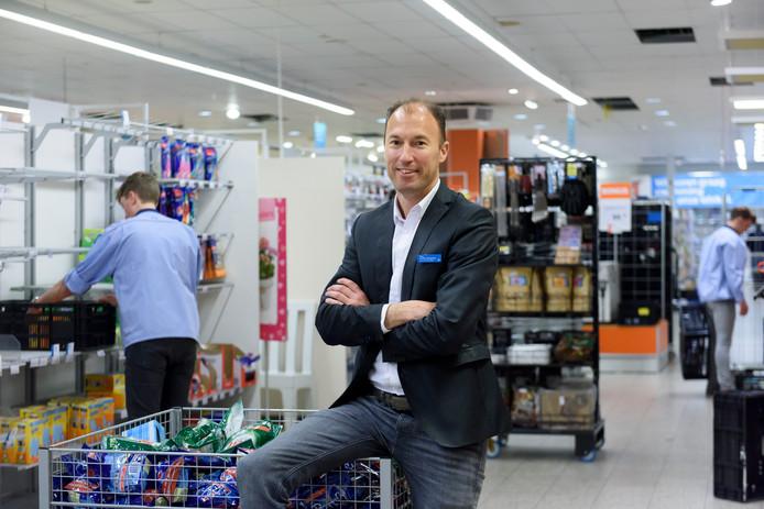 Vestigingsmanager Yorg van den Boogaard staat voor een megaoperatie.
