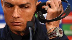 Als Cristiano straks even hard schittert als zijn horloge op de persconferentie gisteren, heeft Man United een probleem