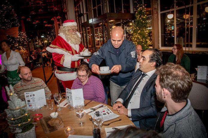 Vittorio's kerstdiner pakte vorig jaar groots uit in EVE, dit jaar denkt de organisator aan 'praatmaatjes'.