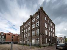 Restauratie voormalig schoolgebouw in Kampen blijft al jaren uit, maar subsidie wordt toch verlengd