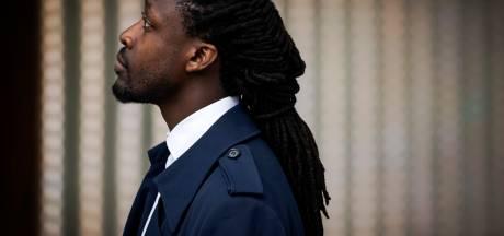 Akwasi wenste jaren terug Zwarte Piet en Sinterklaas dood, is dat strafbaar?