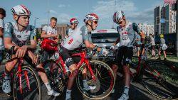 """Lotto-Soudal schrijft brief: """"Met speelse vastberadenheid integreerde Lambrecht zich in het professionele wielrennen"""""""