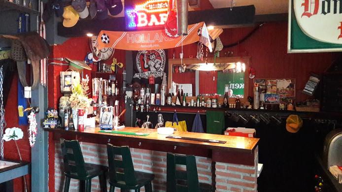 Het interieur van bar de Piemel in Gemert.