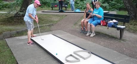 Fanatieke minigolfers genieten van toernooi in Doorwerth