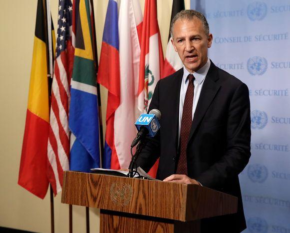 De Amerikaanse VN-ambassadeur Jonathan Cohen staat de pers te woord bij de Veiligheidsraad. Archieffoto.