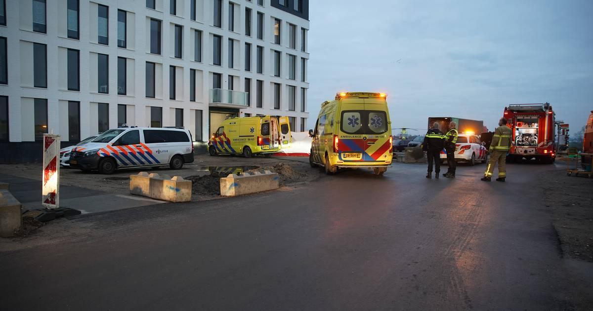 Ontzetting na dodelijk ongeval van Deventenaar bij fonkelnieuw complex in Zutphen: 'Dit is hartstikke tragisch'.