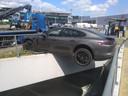 Dat de Porsche niet naar beneden stortte mag een klein wonder worden genoemd