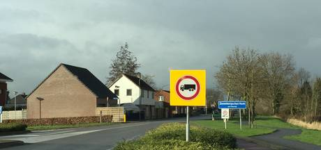 Gemeente zet grof geschut in tegen sluipverkeer: Zevenbergschen Hoek in ochtendspits 'op slot'