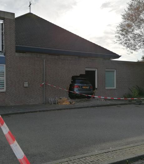 Herstel van de Emmauskerk in Bergen op Zoom gaat weken duren, maar de diensten kunnen doorgaan