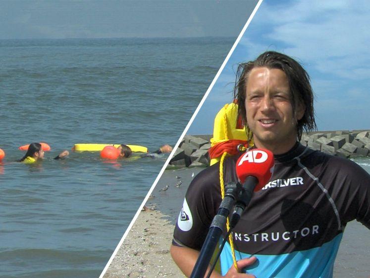 Joeri geeft zeezwemlessen in Scheveningen