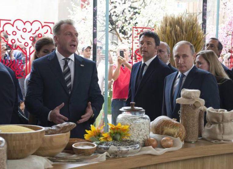 Poetin met de Italiaanse premier Matteo Renzi op de wereldtentoonstelling in Milaan.