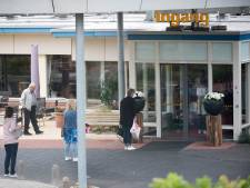 Vier op de tien is besmet bij verpleeghuis in Tiel, maar bezoek mag blijven komen