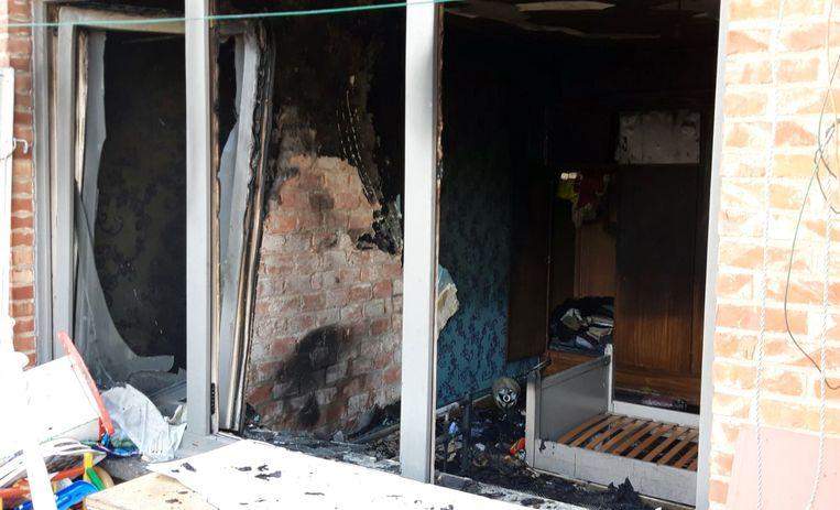 De slaapkamer brandde volldig uit.