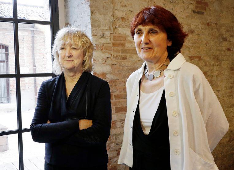 'We zien de planeet als onze voornaamste klant,' schreven Yvonne Farrell, links en Shelley McNamara eerder in een manifest. Beeld AP