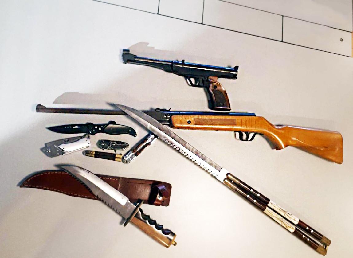 De eerste wapens zijn ingeleverd op het politiebureau in Capelle.