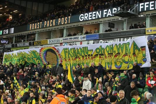 Dit spandoek hing eerder dit seizoen in het stadion van Norwich City, ter ere van het 40-jarig jubileum van de Goal van het jaar 1980, gemaakt door Justin Fashanu.