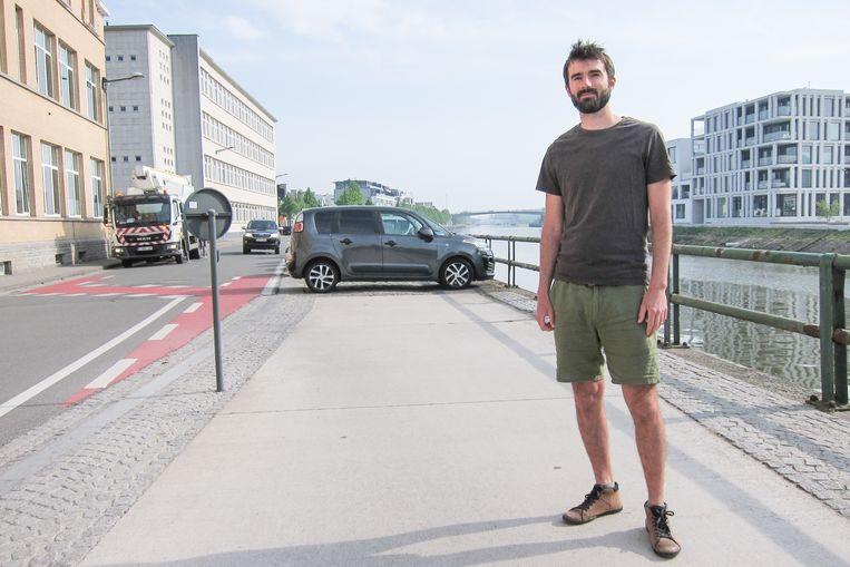 """""""Als de auto's niet langer dwars geparkeerd staan, komt er ruimte vrij."""""""