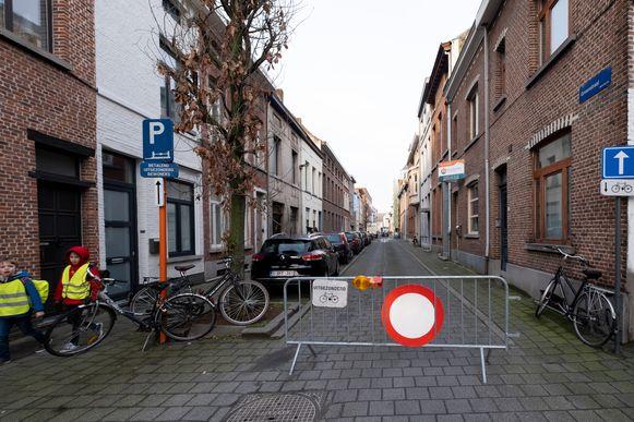 MECHELEN Schoolstraat in de Groenstraat aan basisschool Ursulinen