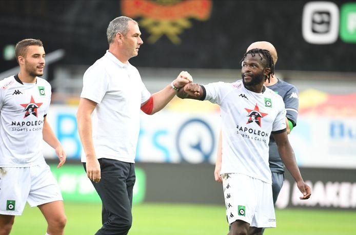 Paul Clement moet het vanavond in Eupen zonder Johanna Omolo doen. De Kenyaan miste de Brugse derby door een schorsing en liep vrijdag een scheurtje in de schuine buikspier op.