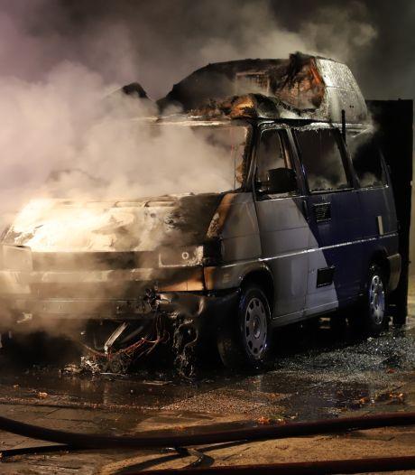 Camper verwoest door brand in Schijndel