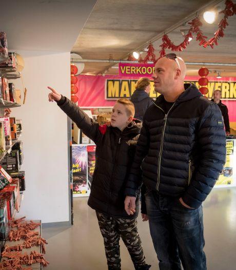 Arnhemse vuurwerkverkopers noemen raadsbesluit krom en waardeloos: 'Hier kunnen we niet op sturen'
