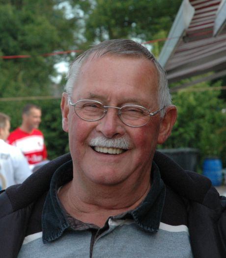 Menze van den Broek (80), erelid vv Terborg, overleden