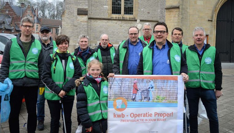 KWB organiseerde zaterdag zijn 'Operatie Proper' waarbij zwerfvuil werd opgeruimd in de omgeving van Bazel.