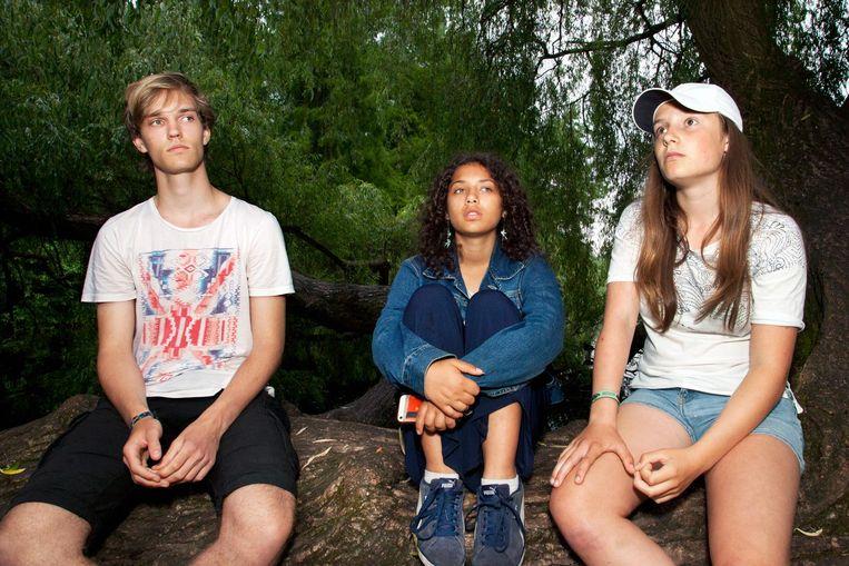 Wietze (17), Isis (16) en Uma (16, vlnr) Beeld Martijn van de Griendt