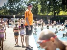 Badmeesters in Hengelo en Nordhorn houden hoofd koel bij topdrukte