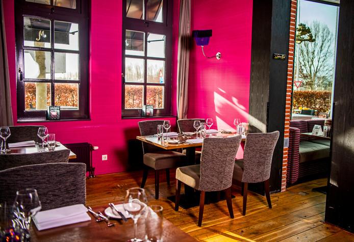 Uitgesproken kleuren bij Grand café-restaurant Meesters in Mijdrecht.