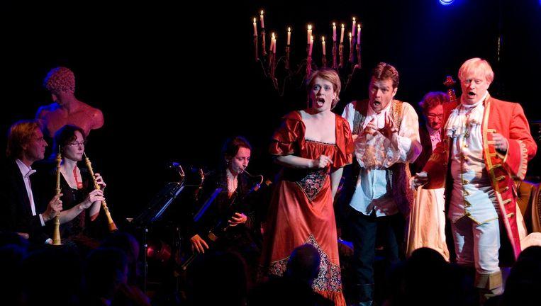 Sopraan Johannette Zomer, bariton Frans Fiselier en tenor Bernard Loonen in een eerdere productie van het NBE. Beeld Remke Spijkers