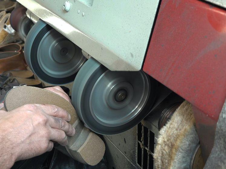 Honderd jaar schoenmaker Hillebrand in Goes: Rens is de vijfde generatie