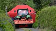 Koerier vindt vrouw (73) dood onder tractor