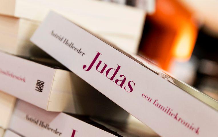 Het boek Judas van Astrid Holleeder, waarin ze ingaat op door haar broer gepleegde misdrijven. Beeld ANP