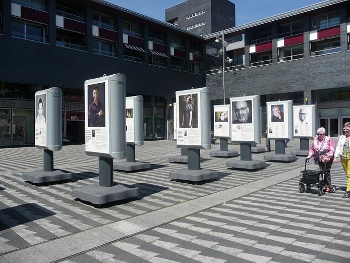 De expositie over asielzoekers op het Pieter Vreedeplein in Tilburg.