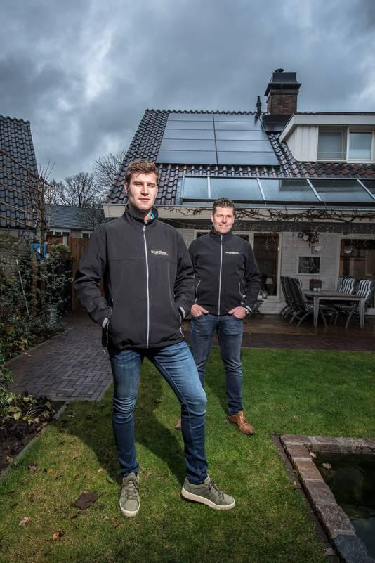 René Siegerink (achter) met zijn zoon Michel.