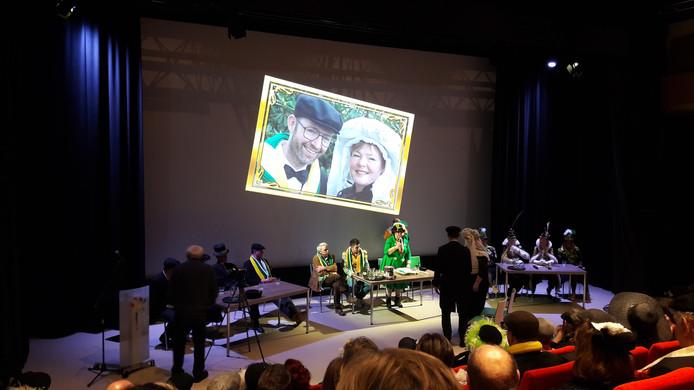 Jetty Eugster verbond voor de negende maal op rij een boerenbruidspaar in Schijndel in de 'onecht'. Dit keer ging het om Michel van de Valk en Daniëlle Verhoeven.