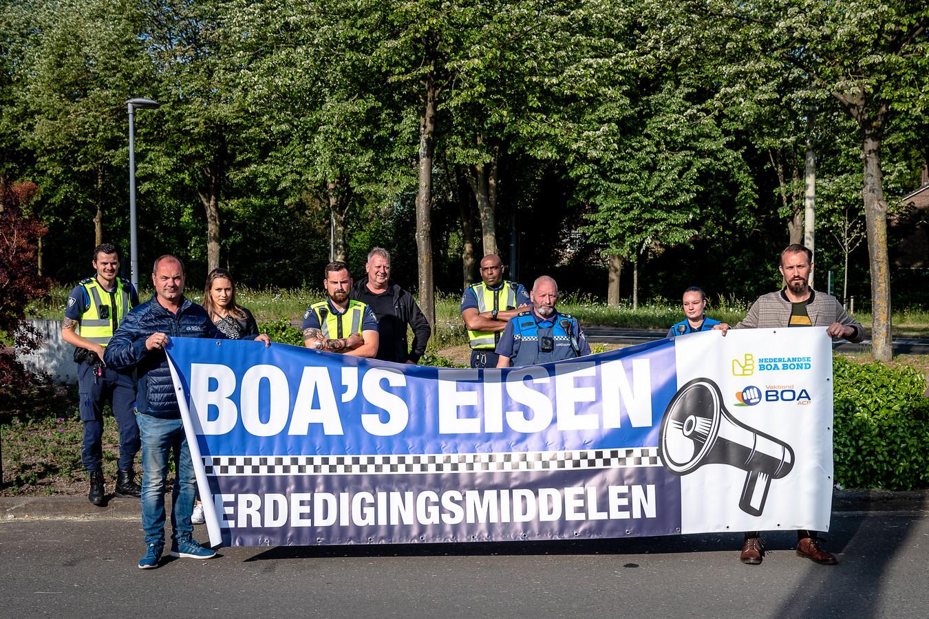 Handhavers voeren actie in IJsselmonde.