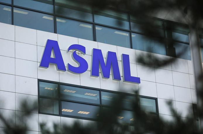 Chinese spionnen volgen de ontwikkeling van technologie bij bedrijven als ASML.