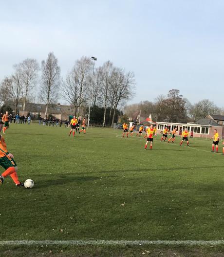 Vitesse'63 maakt gehakt van SVBS'77