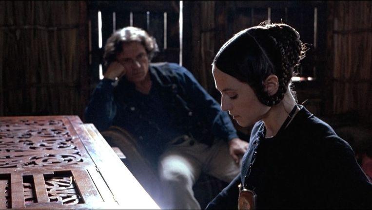 Harvey Keitel en Holly Hunter in The Piano. Beeld