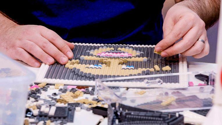 Lego Masters, seizoen 1, aflevering 6 op zaterdag 16 mei 2020 bij VTM. Op de foto: Björn en Corneel
