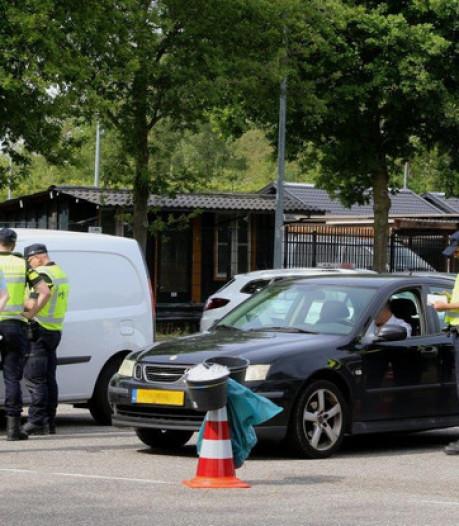 Twaalf auto's in beslag en 135.000 euro geïnd bij controle op N65 bij Vught