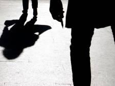 Politie zoekt naar hardloper die langs bedreiging 17-jarige liep